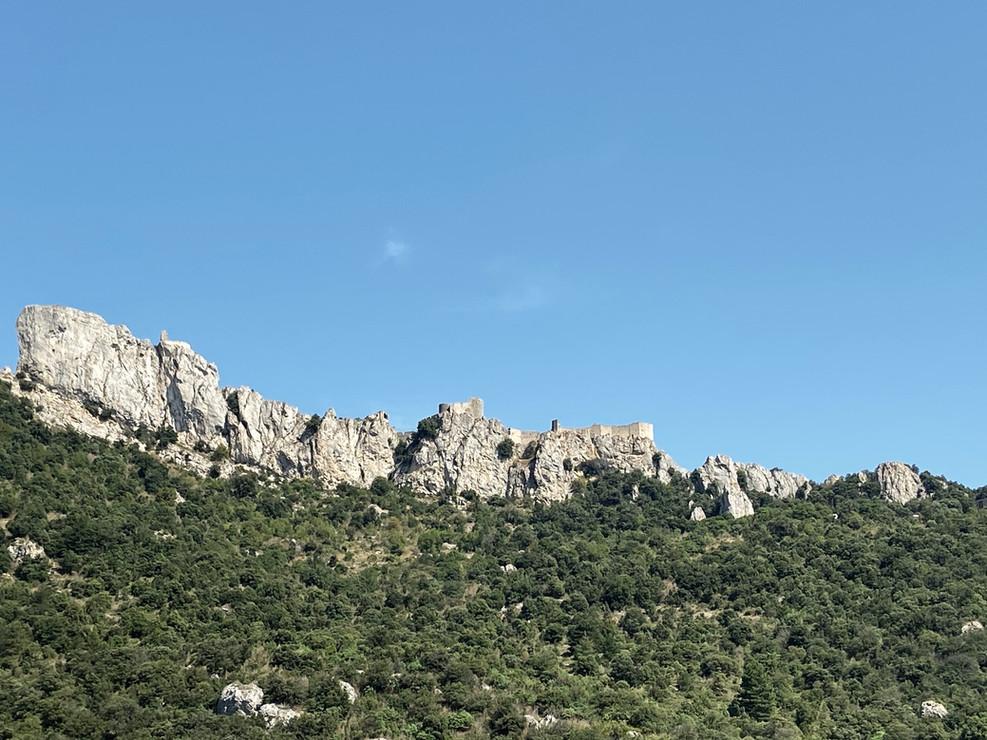 Peyrepertuse, perché dans la montagne