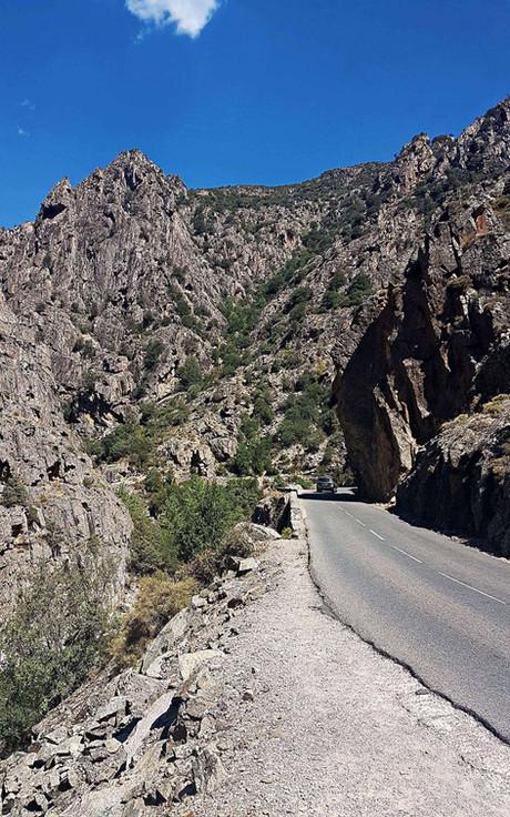 Route d'accés aux gorges de l'Asco