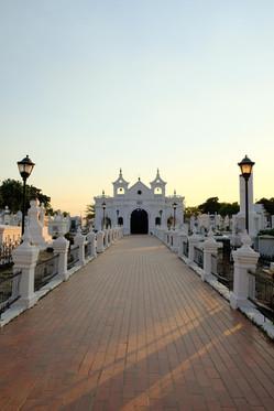 Aller au cimetière de la ville de Mompox