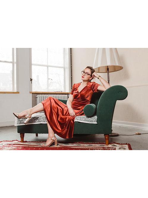 Hollywood circle dress velvet by Very Cherry