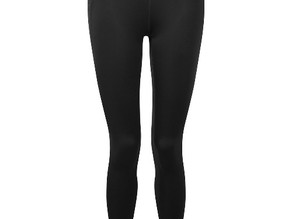 Why dog groomers should have a pair of hair resistant leggings in their wardrobe.