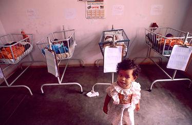 29-L.Sadin-Naitre fille Inde.jpg