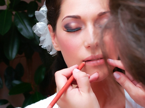 In-Demand Career: Bridal Makeup Artists