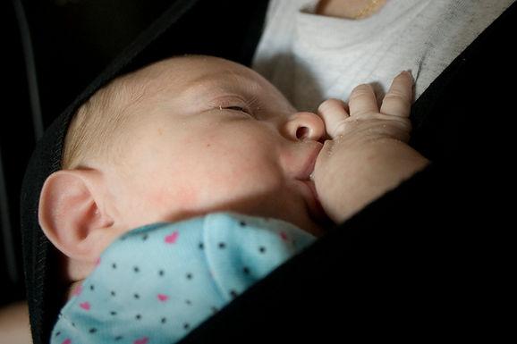 平常應該揹寶寶、坐推車、還是平躺著?