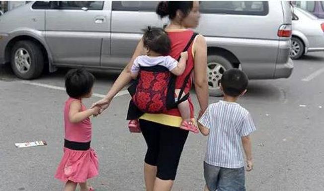 """全職媽媽 vs. """"全職""""爸爸 的心聲"""