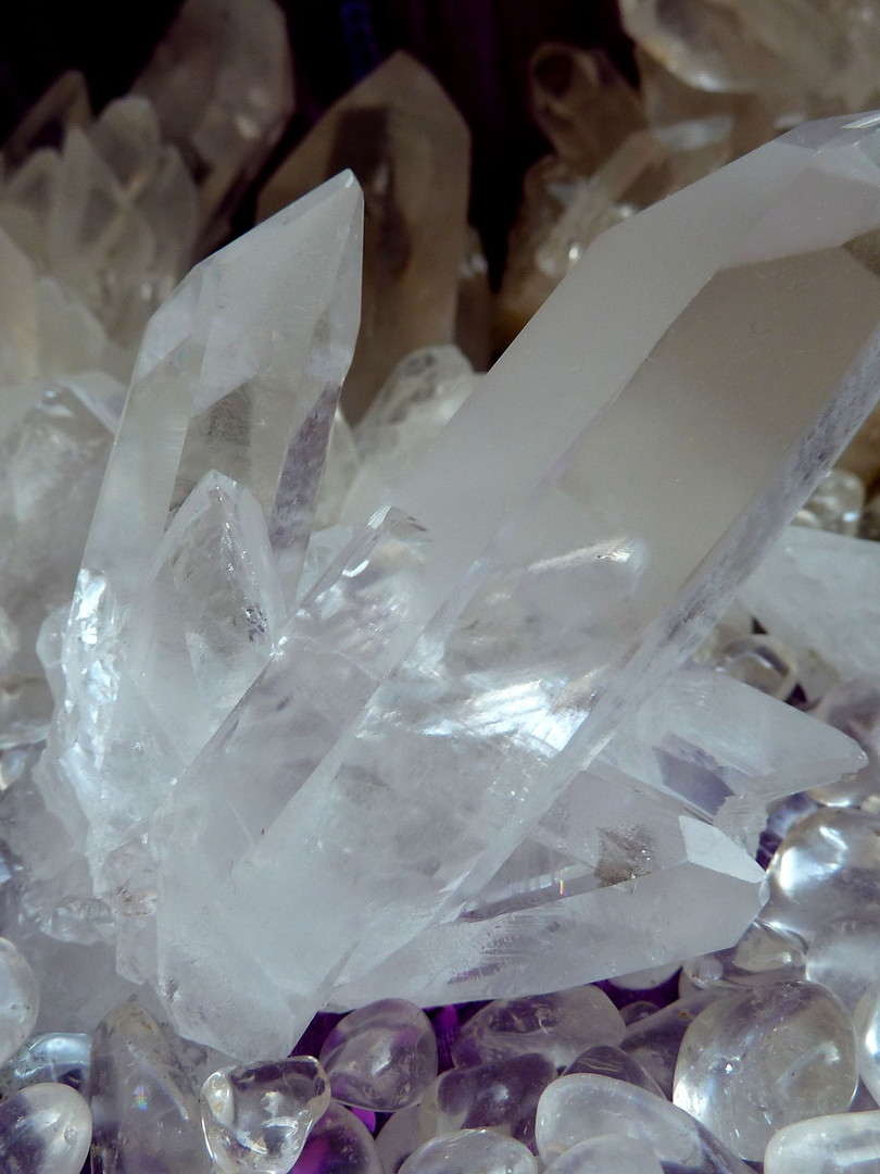 rock-crystal-1607218_1920.jpg
