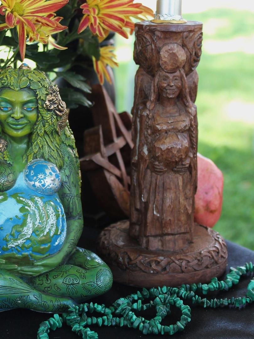 pagan-altar-1034856_1920.jpg