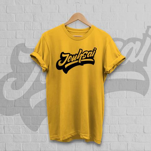 """Jouhsai"" T-shirt Mockup Gelb"