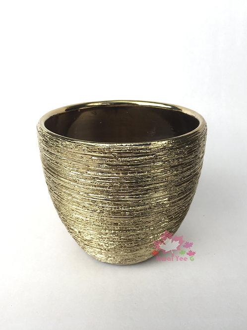 金色陶瓷花盆