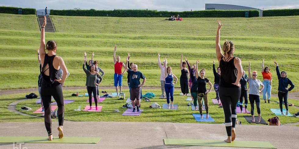 COMMUNITY YOGA   Yoga in the Park