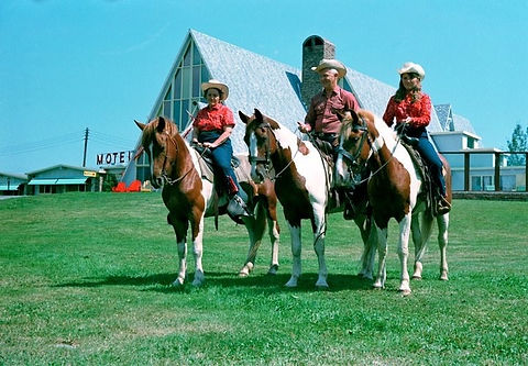 Fitz-Gerald Family on Paleface Pinto Horse