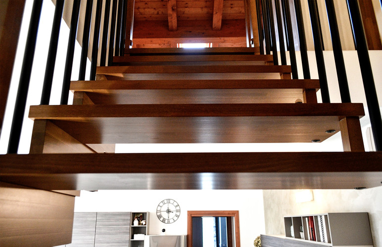F-scala in legno prospettiva 2.jpg