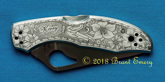 engraved knife, engraved name, engraved flowers