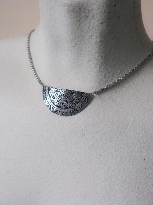 Halfmoon Necklace