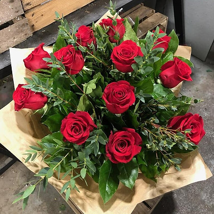 12 Red Rose's