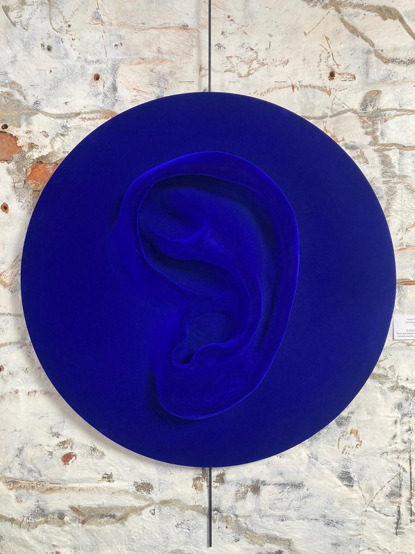 Listen (Blue) Large