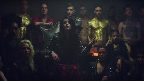 Kiiara-Gold Music Video
