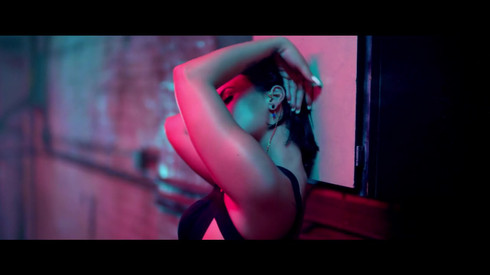 Demi Lovato-Cool for the Summer Music Video