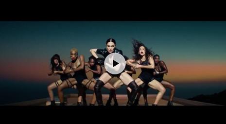 Jessie J-Burnin up Music Video