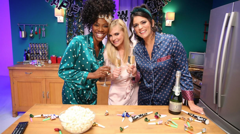 Barefoot Wine Sleighin' CECILY STRONG