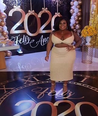 JOJO TODINHO festeja ano novo em casa de luxo no Rio de Janeiro.