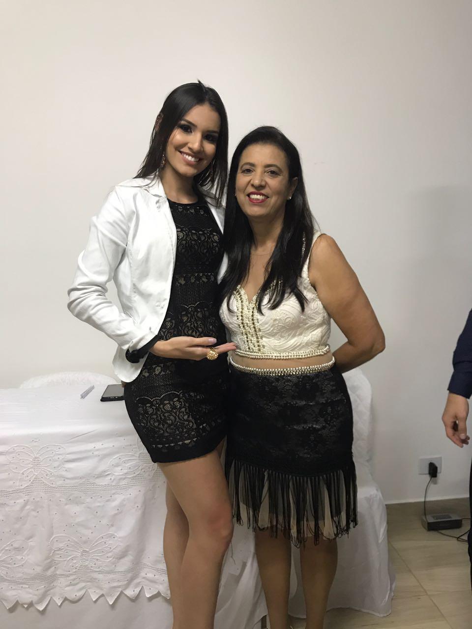 Maryna Lima ( Miss Teen Brasil Internacional ) e Meire ( Diretora CCAA ´Patos Minas MG )