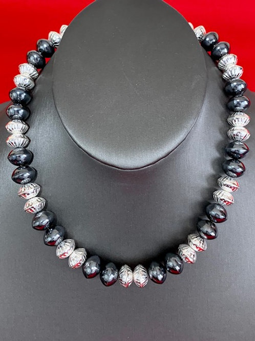 """Ruby 20"""" Black and White Fancy"""