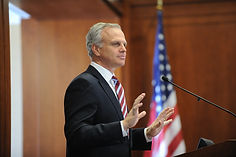David Neeleman, Founder, JetBlue & CEO, Azul Airlines speaking at the First Annual Conference of  Center for Positive Marketing, 2011