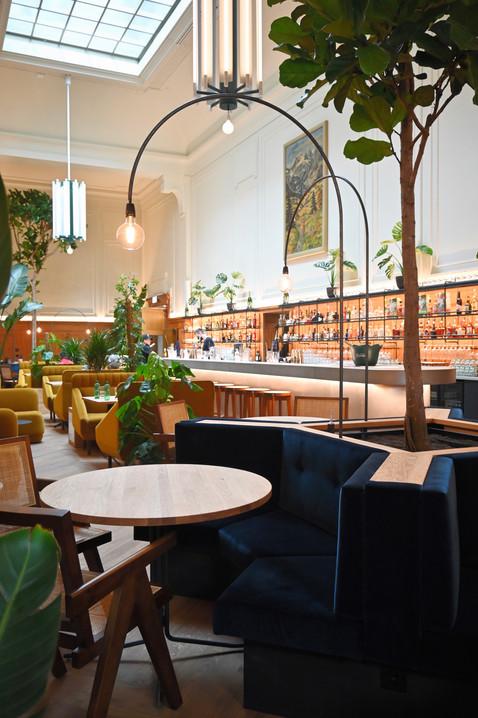 Lora Restaurant Bar