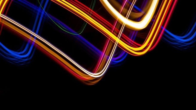 light_painting_blue_red_red_yellow_yello
