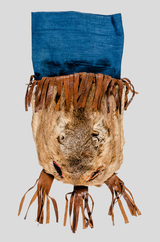 1933.374, tobacco pouch made of roe deer skin, Inner Mongolia