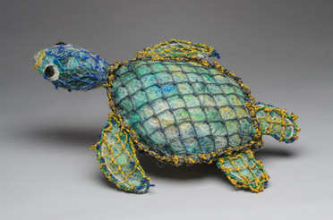 2017.55, ghost net turtle sculpture 'Bee Dee' made by Florence Gutchen, 2016