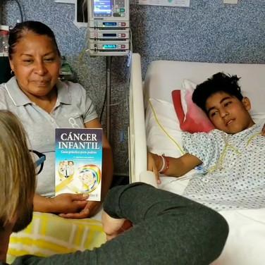Visiting the kids at General Hospital Leon Guanajuato
