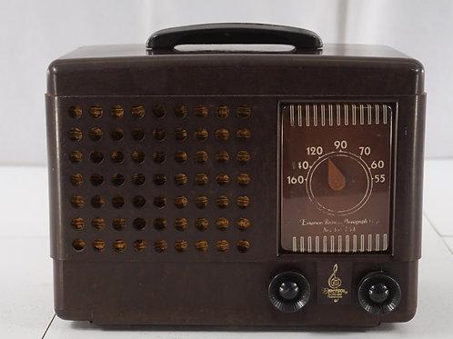 1940s Emerson Bakelite Tube Radio