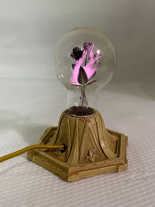 Vintage Light with Swallow/Floral Bulb