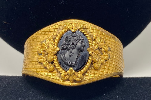 Vintage Hinged Brass Tone Bracelet with Cameo