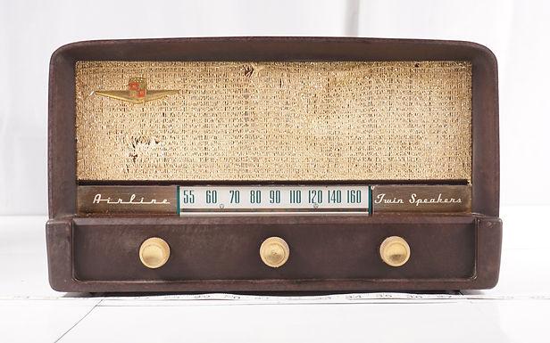 1950s Wards Airline Twin Speakers Radio
