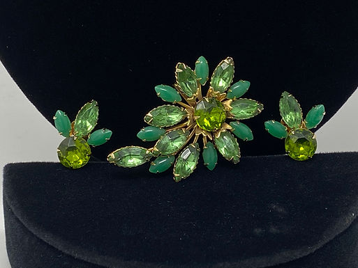 Green Glass Sparkle and Plastic Stone Brooch and Earrings