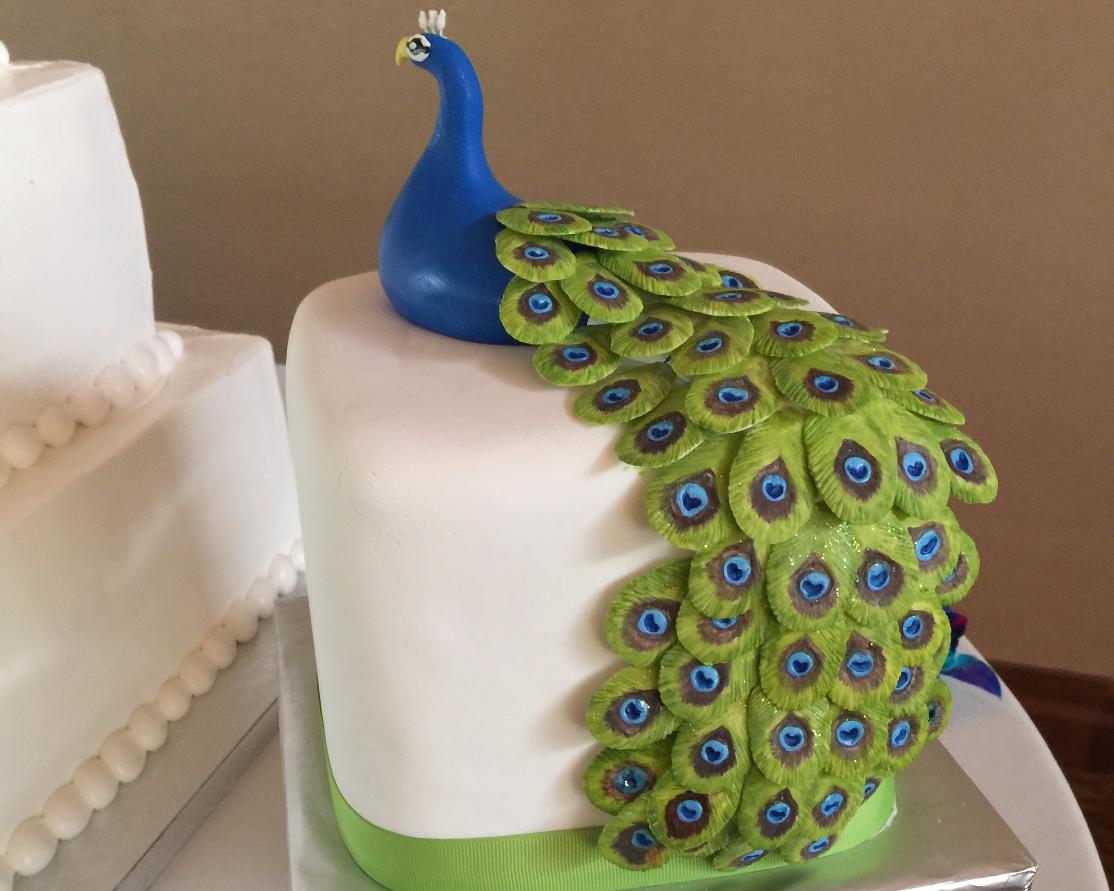 slideshow_peacock_cake