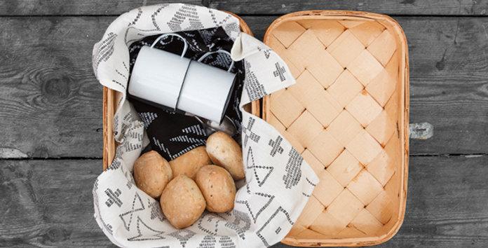 SAANA JA OLLI Maailman synty tea towel / table mat