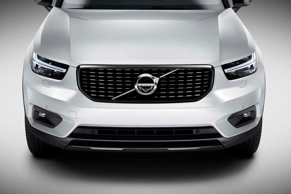 The New Volvo XC40 R-Design - Crystal Wh