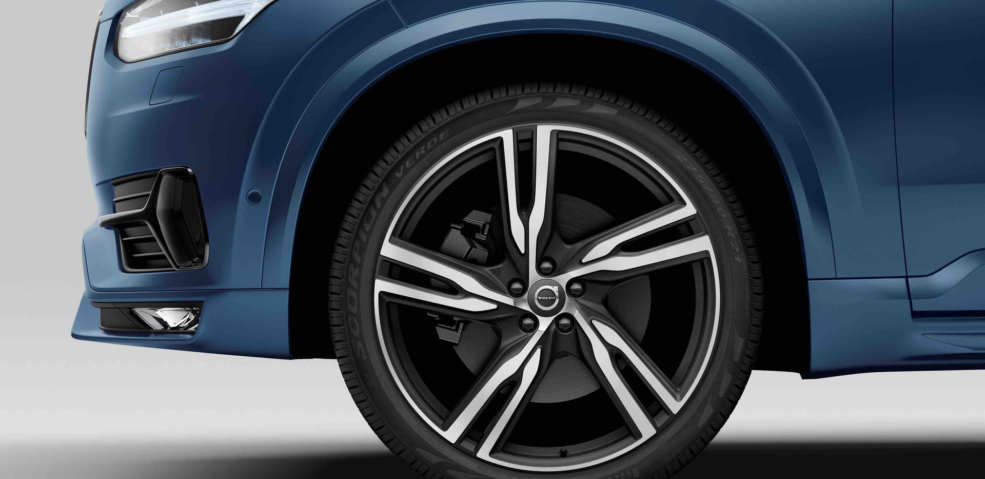 152194_The_all-new_Volvo_XC90_R-Design.j
