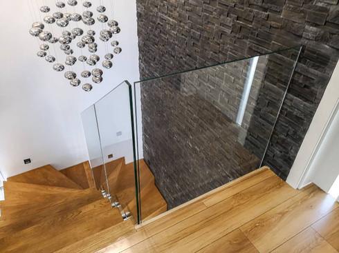 Trappor med härdat glas