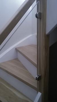 Balustrada szklana , schody dębowe