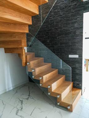 Flytande ek trappor
