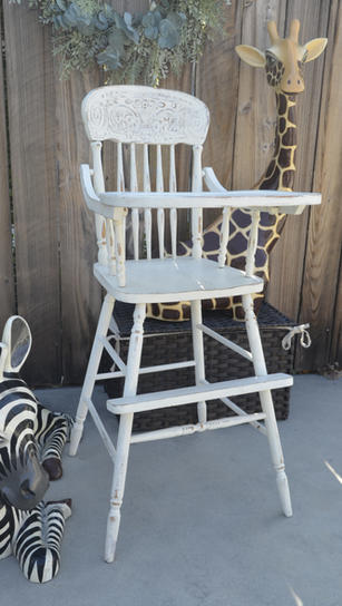Rustic White - $45/day
