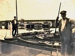 Boats-and-Railway-bridge.jpg