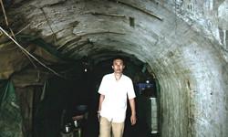 凱里ブルース(トンネル)