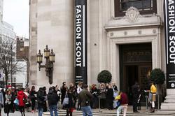 Fashion-Scout-London-Outside-Photograher