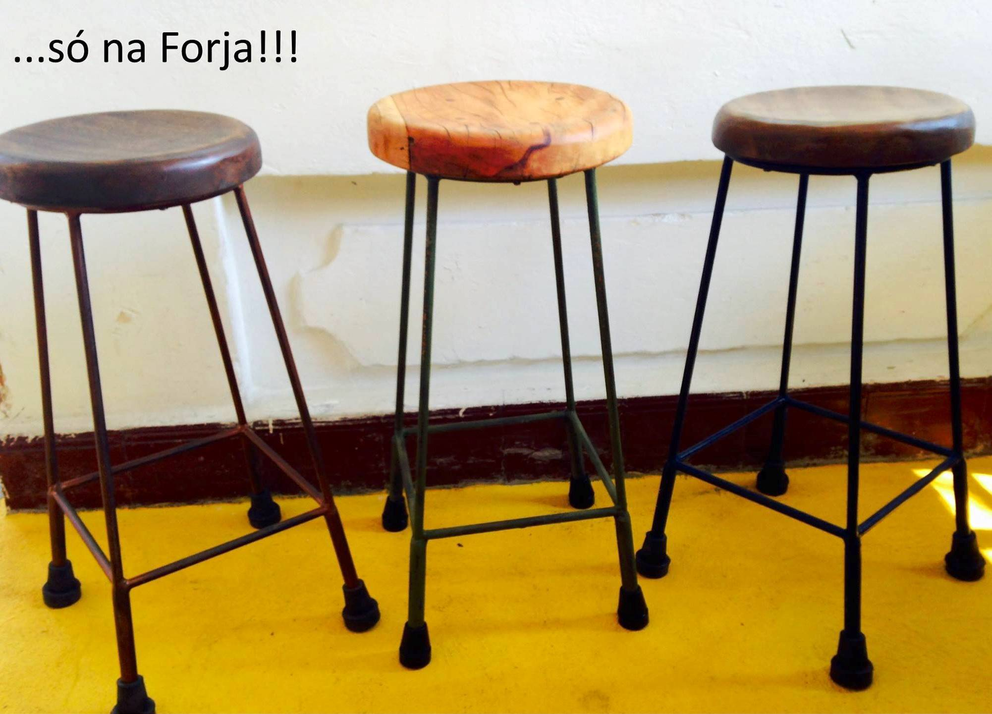 Banquinhos Forja